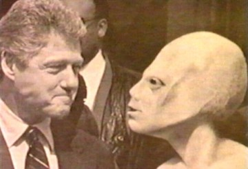 BillClintonWithAlien