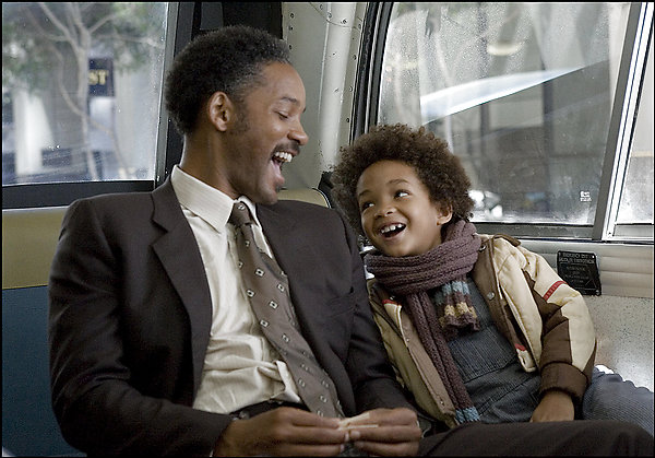 SLUG: ST/PURSUIT15 INPUTDATE: 2006-12-13 16:22:37.643 CREDIT: Zade Rosenthal/FROM_PHOTOPOST/Columbia Pictures LOCATION: x, , x CAPTION: Will Smith (left) and Jaden Christopher Syre Smith star in Columbia Pictures' drama The Pursuit of Happyness. Sent by: Rachel Beckman Photo Editor: