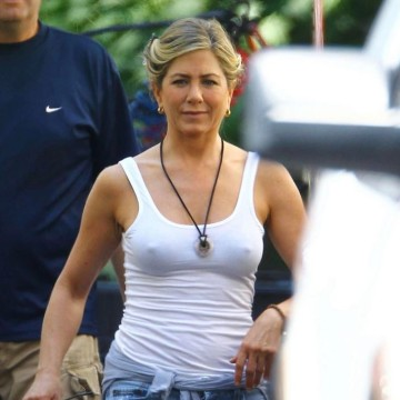 jennifer-aiston-just-nips-for-all